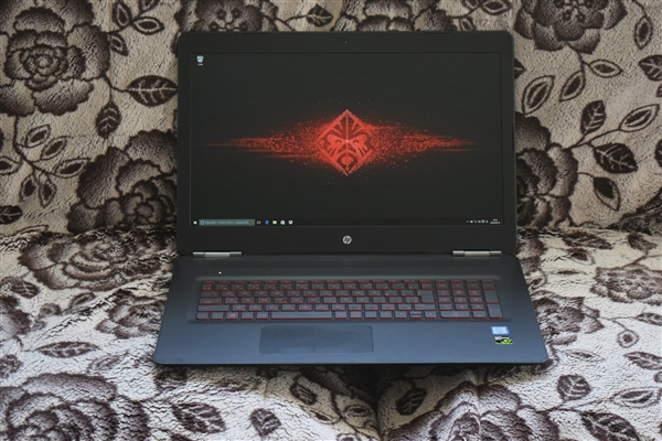 hp-omen-by-hp-17-w000%e6%ad%a3%e9%9d%a2