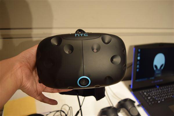 VIVE(VR)は値下げしたけど買いなの?