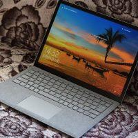 Surface Laptop 斜めから